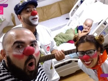 Pai se voluntaria como palhaço em hospitais e faz surpresa para filho internado 2