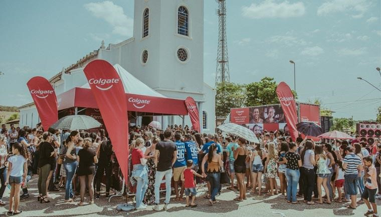 Campanha 'Sorrir Faz Sorrir' distribui kits de higiene bucal pelo Brasil 3