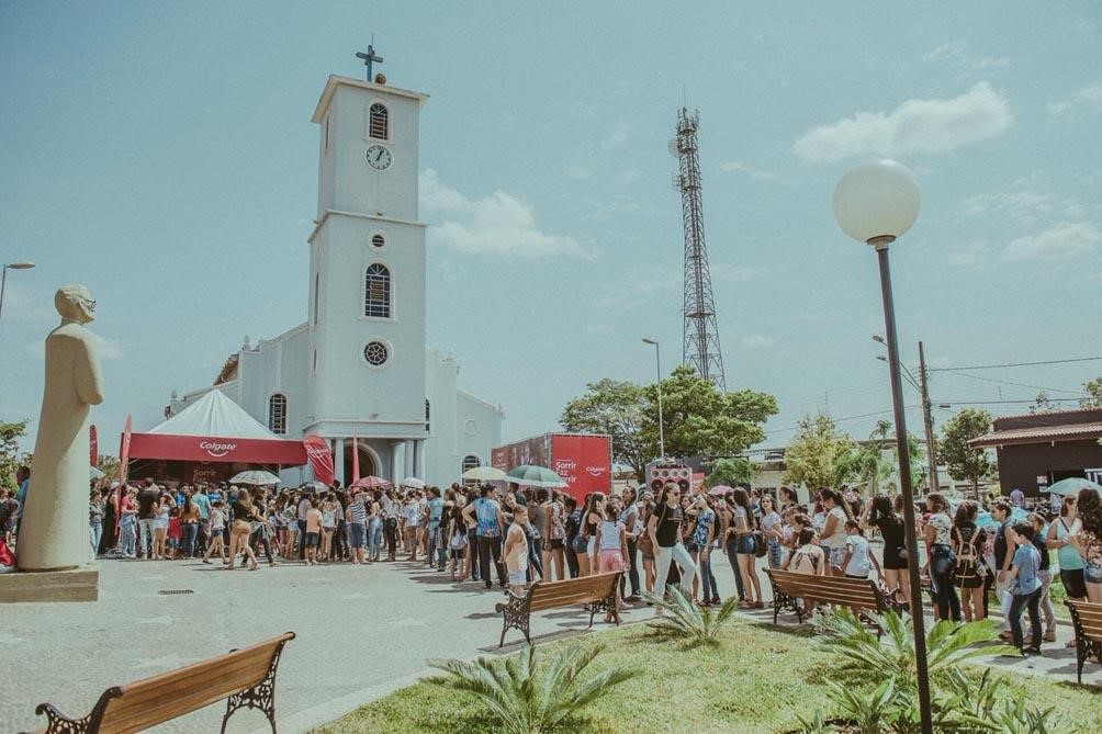 Campanha 'Sorrir Faz Sorrir' distribui kits de higiene bucal pelo Brasil 1