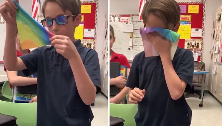 Dia das crianças garoto compra óculos especiais amigo daltônico ver cores