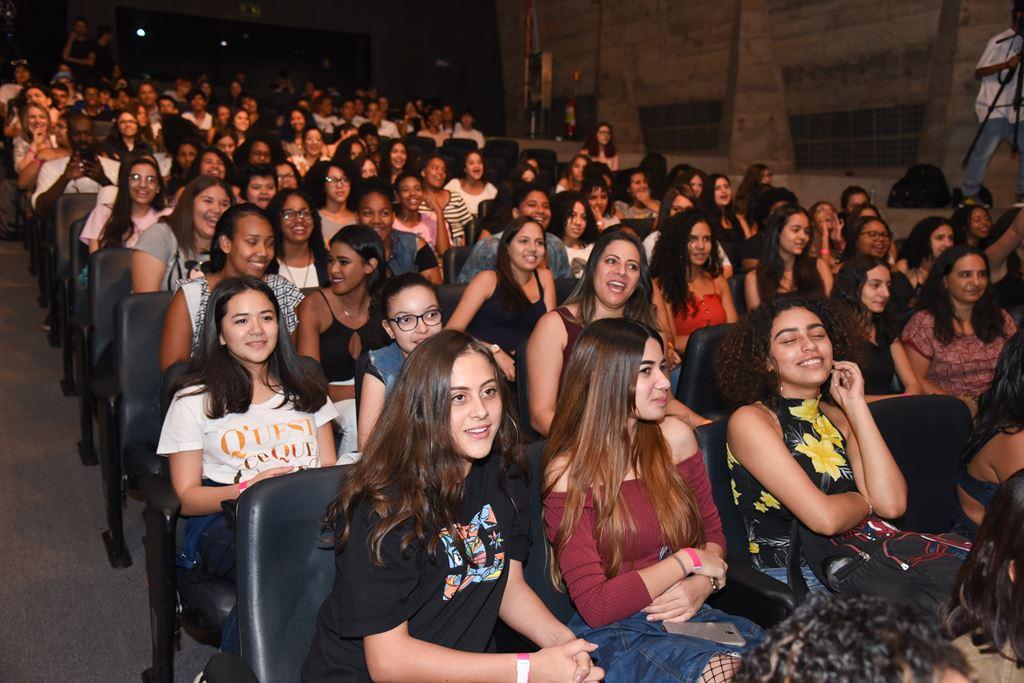 Meninas da periferia de São Paulo se reúnem MASP
