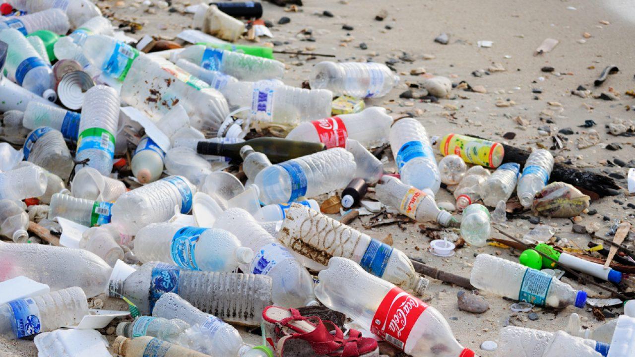 Los Angeles recicla garrafas PET para asfaltar ruas