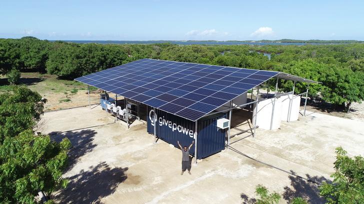 Quênia instala primeira usina solar transforma água salgada oceano potável