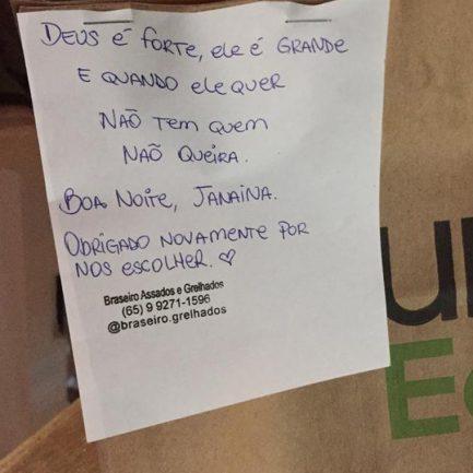 Dono de lanchonete escreve e envia bilhetes em produtos para motivar clientes 4