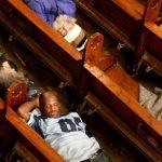 Igreja abre portas para moradores de rua dormirem todos os dias há 15 anos 1