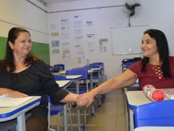 Após 41 anos, amigas se reencontram em sala de aula ao retomar estudos em SP 1