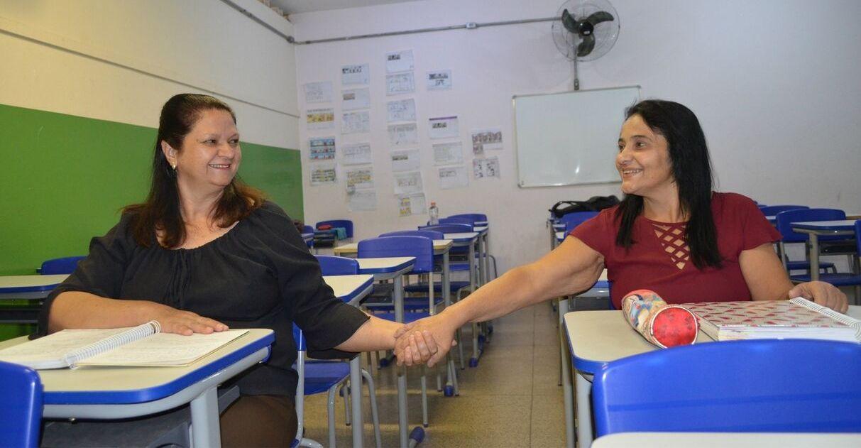 Após 41 anos, amigas se reencontram em sala de aula ao retomar estudos em SP 3
