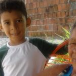 Menino autista doa cofrinho para comprar cadeira de rodas para a avó 2