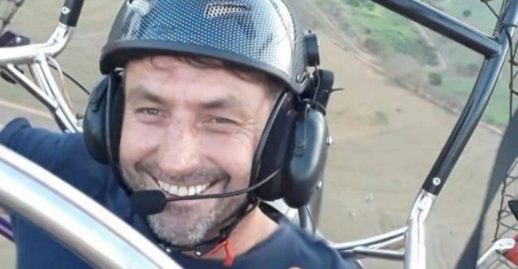 piloto que espalha sementes reflorestamento projeto educativo
