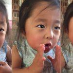 Menina descreve encontro com pais adotivos