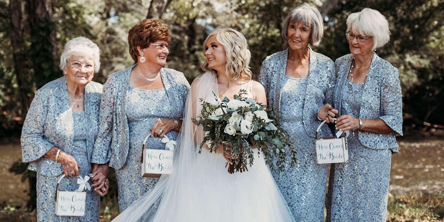 Noiva convida suas 4 avós para serem daminhas de honra em seu casamento 2