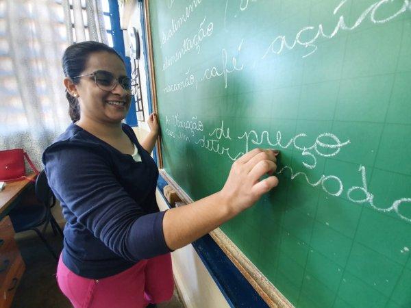Professora reduz reprovações alunos projeto empreendedorismo