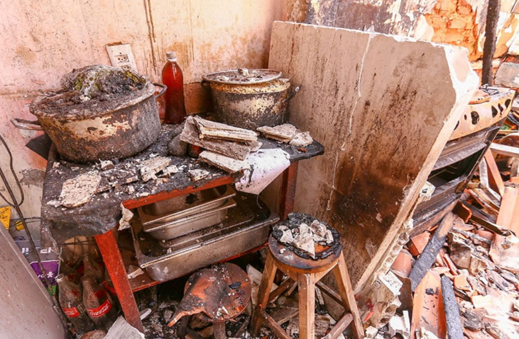 dona restaurante incêndio distribui caldos