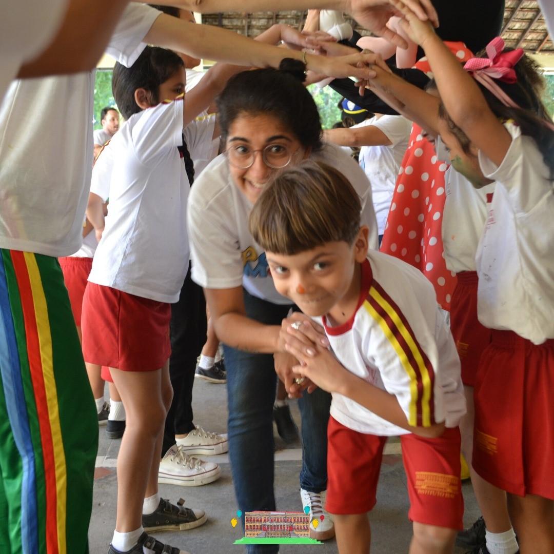 Crianças ganham material escolar, alimentos e calçados com festa promovida por ONG de Fernanda Gentil 5