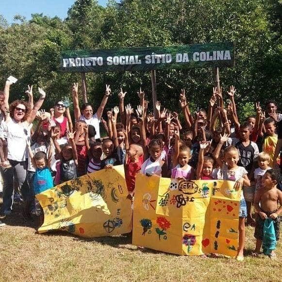 crianças do instituto ajudado pela Fernanda Gentil