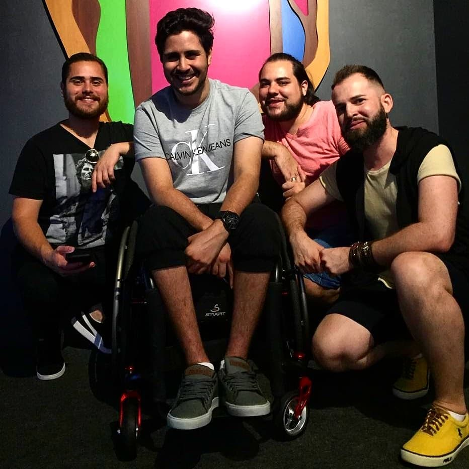 Gay e deficiente: jovem relata superação após acidente e como se redescobriu sexualmente 6