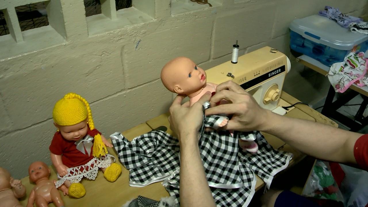 Detentos confeccionam bonecas crianças com câncer