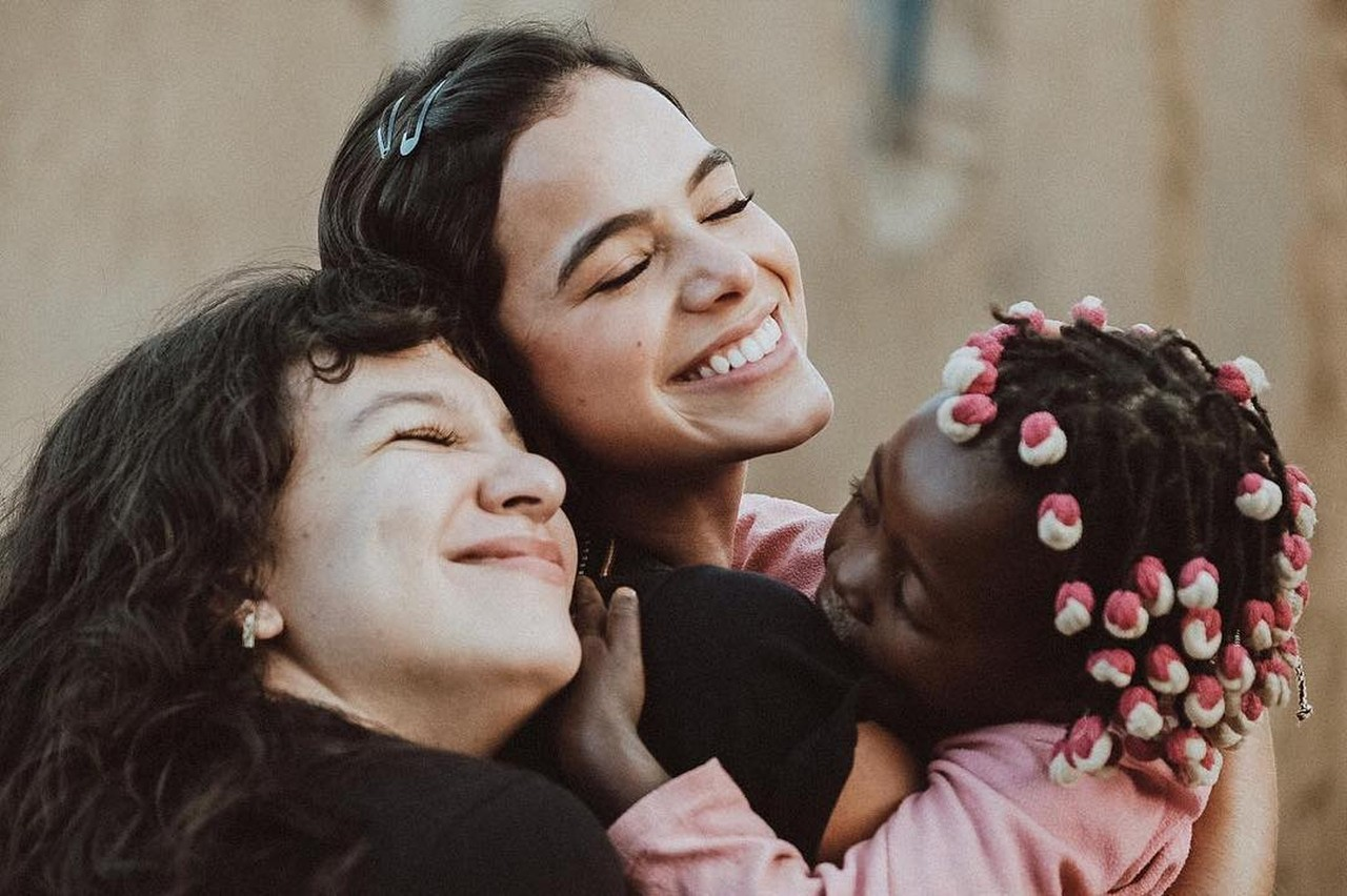 Bruna Marquezine doação orfanato