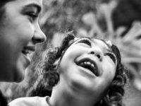 Ensaio registra relação de amor de pais com seus filhos com microcefalia na PB 13
