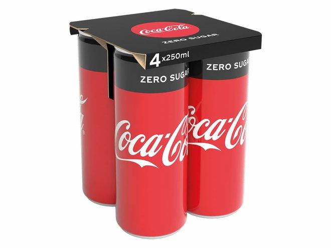 Coca-Cola substitui pack de plástico por de papel em suas latinhas na Europa 2