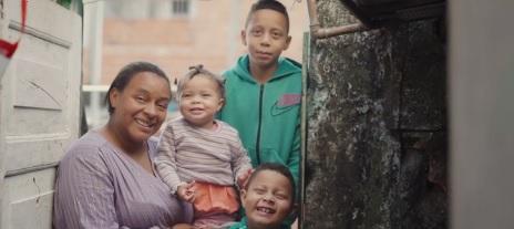 """Família que mora em um cômodo ganha reforma e comemora: """"melhorou muito, 100%"""" 2"""