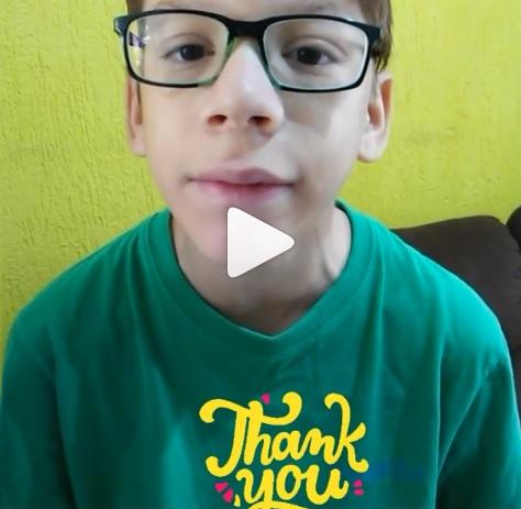 Gui, o youtuber autista, em mais um vídeo do seu canal