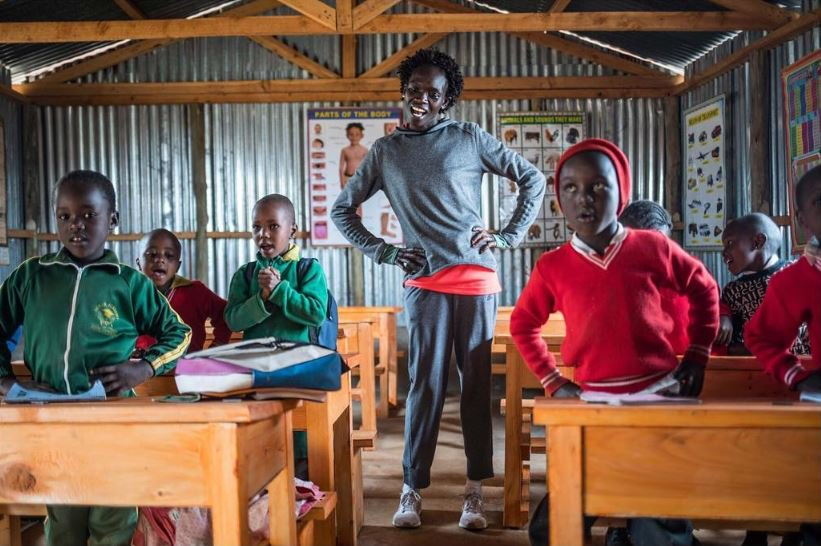 dinheiro maratona corredora amplia escola quenia