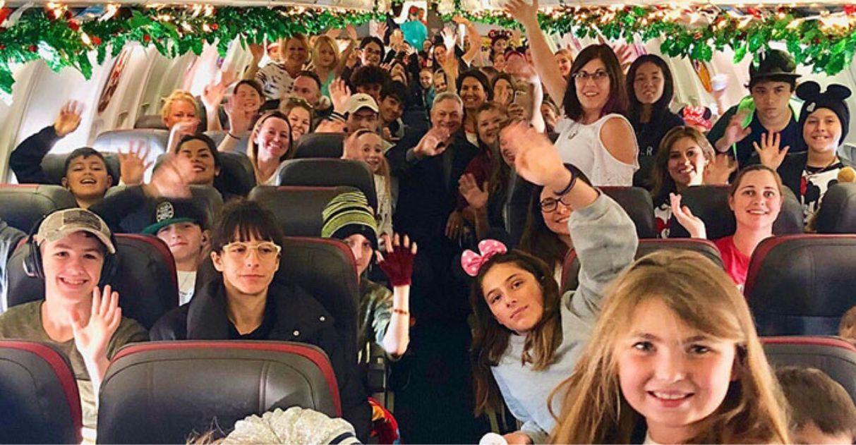 Ator leva crianças pais morto batalha Disneylândia