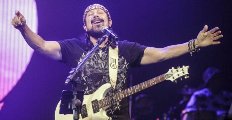 Bell Marques leiloa guitarra autografada limpeza praias Nordeste