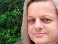 Após tentativa de boicote, professora trans é eleita diretora de escola em SC 7