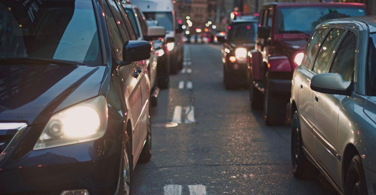 motorista carro sinal verde salva vida