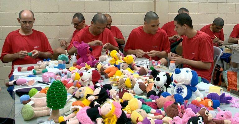 Detentos confeccionam bonecas para crianças com câncer no ES 1