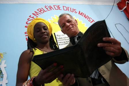 Ação social reune católicos evangélicos espíritas terreiro de umbanda RJ