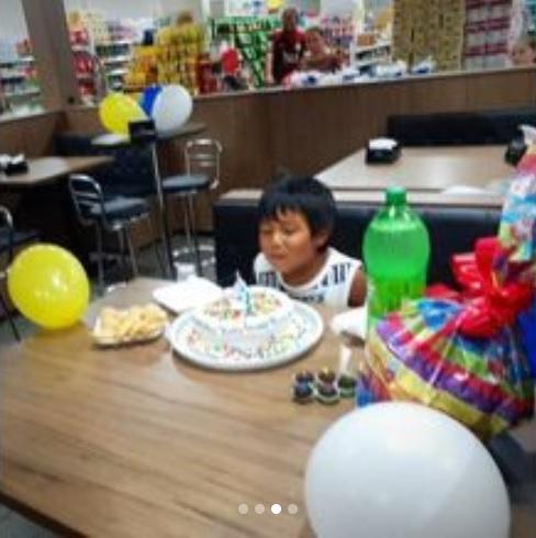 supermercado aniversário surpresa indiozinho
