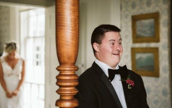 noiva ensaio de fotos com irmão síndrome de down