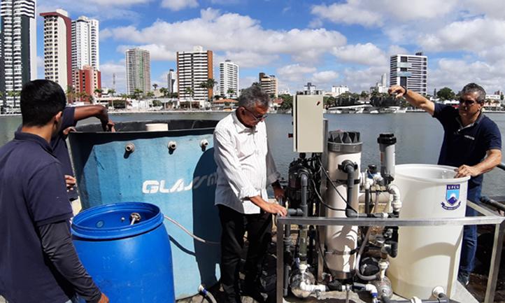 Máquina purifica até 2.700 litros de água poluída por hora 3