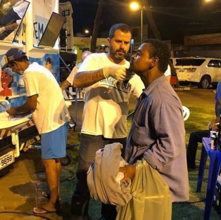 Projetos levam banho e cuidados a pessoas em situação de rua em todo o país 2