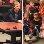 Menino de 5 anos convida amigos da escola para sua audiência de adoção 2