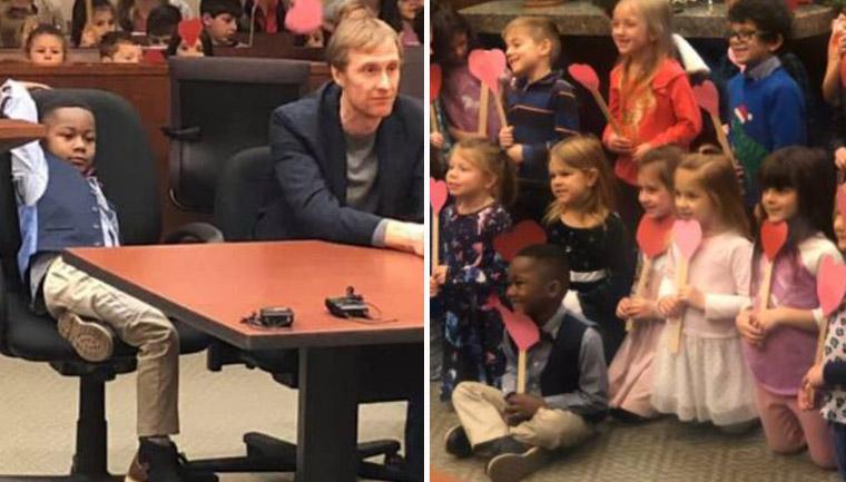 Menino de 5 anos convida amigos da escola para sua audiência de adoção 1
