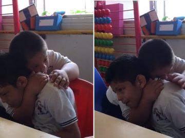 Menino com síndrome Down dá carinho e acalma colega autista; assista 2