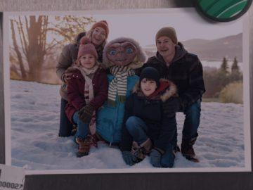 Após 37 anos, E.T. e Elliot se reúnem em emocionante comercial de Natal; assista! 3
