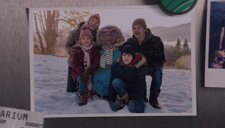 Após 37 anos, E.T. e Elliot se reúnem em emocionante comercial de Natal; assista! 2