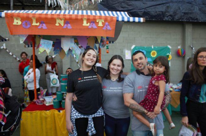 Voluntários da Equinix no projeto Meninos de Luz