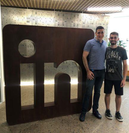 Jovem que vende doces para cursar medicina em Harvard com diretor de RH do LinkedIn