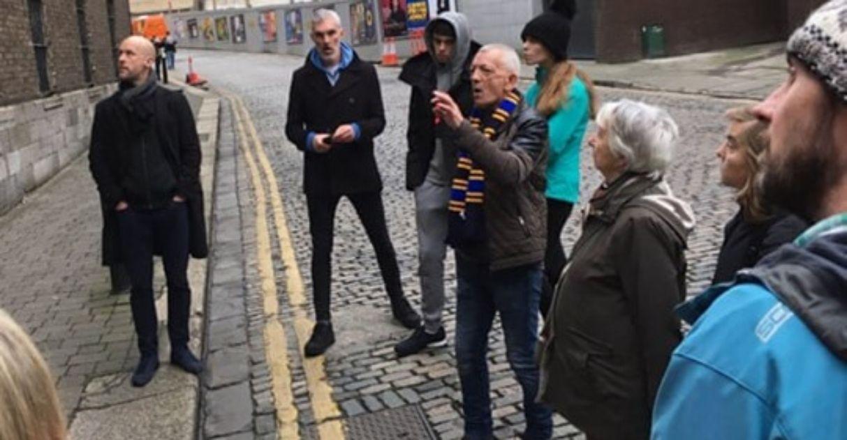 moradores de rua viram guias turísticos irlanda