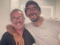 Comerciante amizade morador de rua ajuda alcoolismo