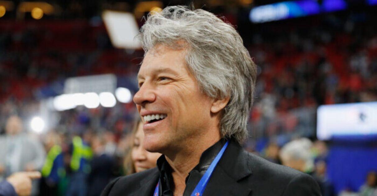 Bon Jovi doação construção casa moradores de rua