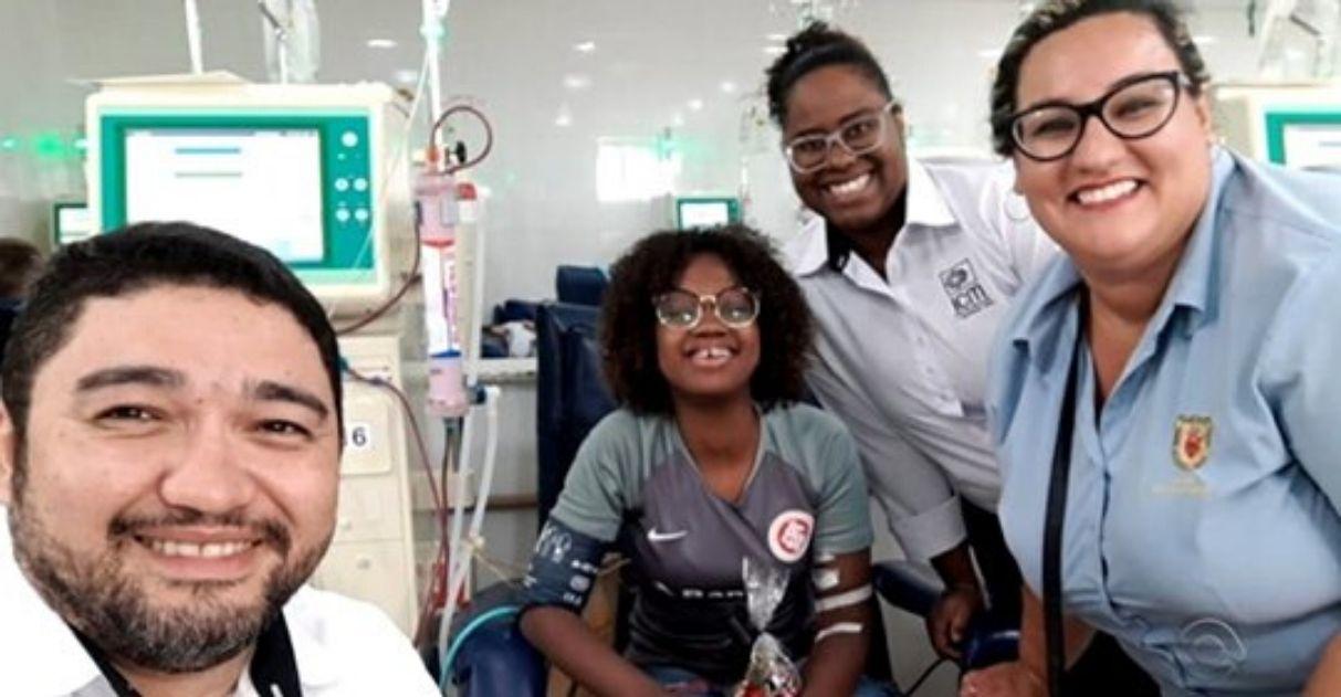 Jovem concilia hemodiálise com estudos passa em medicina