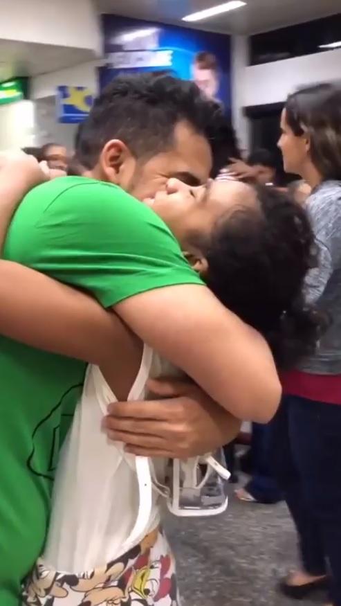 reencontro entre pai e filha que estava na uti