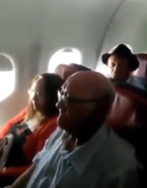 Piloto paraibano homenagem seus pais voo